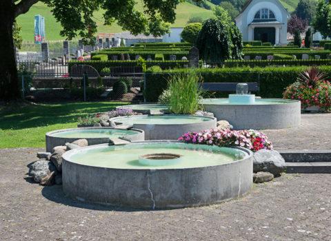 Brunnen Friedhof - 1980 - Eigentum Bezirk
